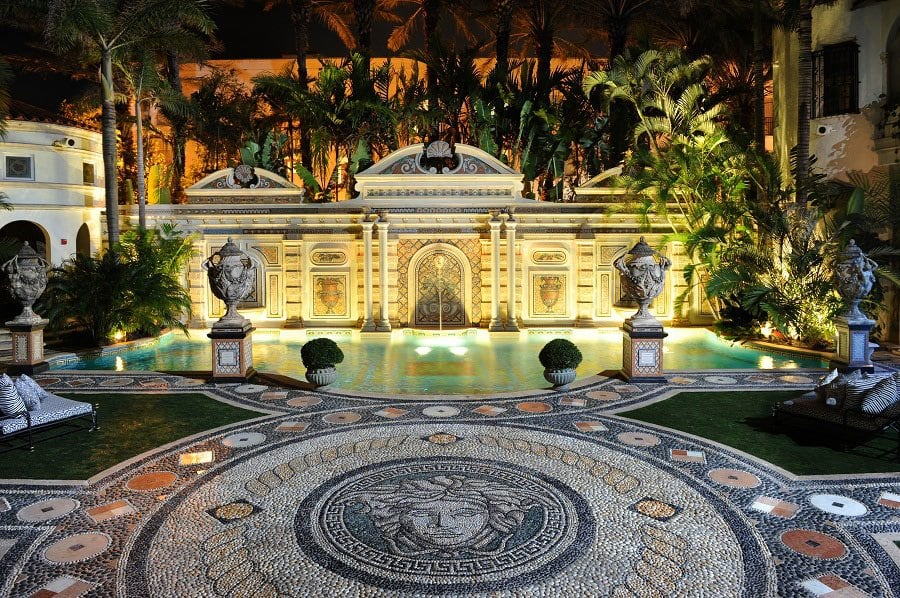 10 Secrets of Gianni Versace's Miami Mansion-03.jpg