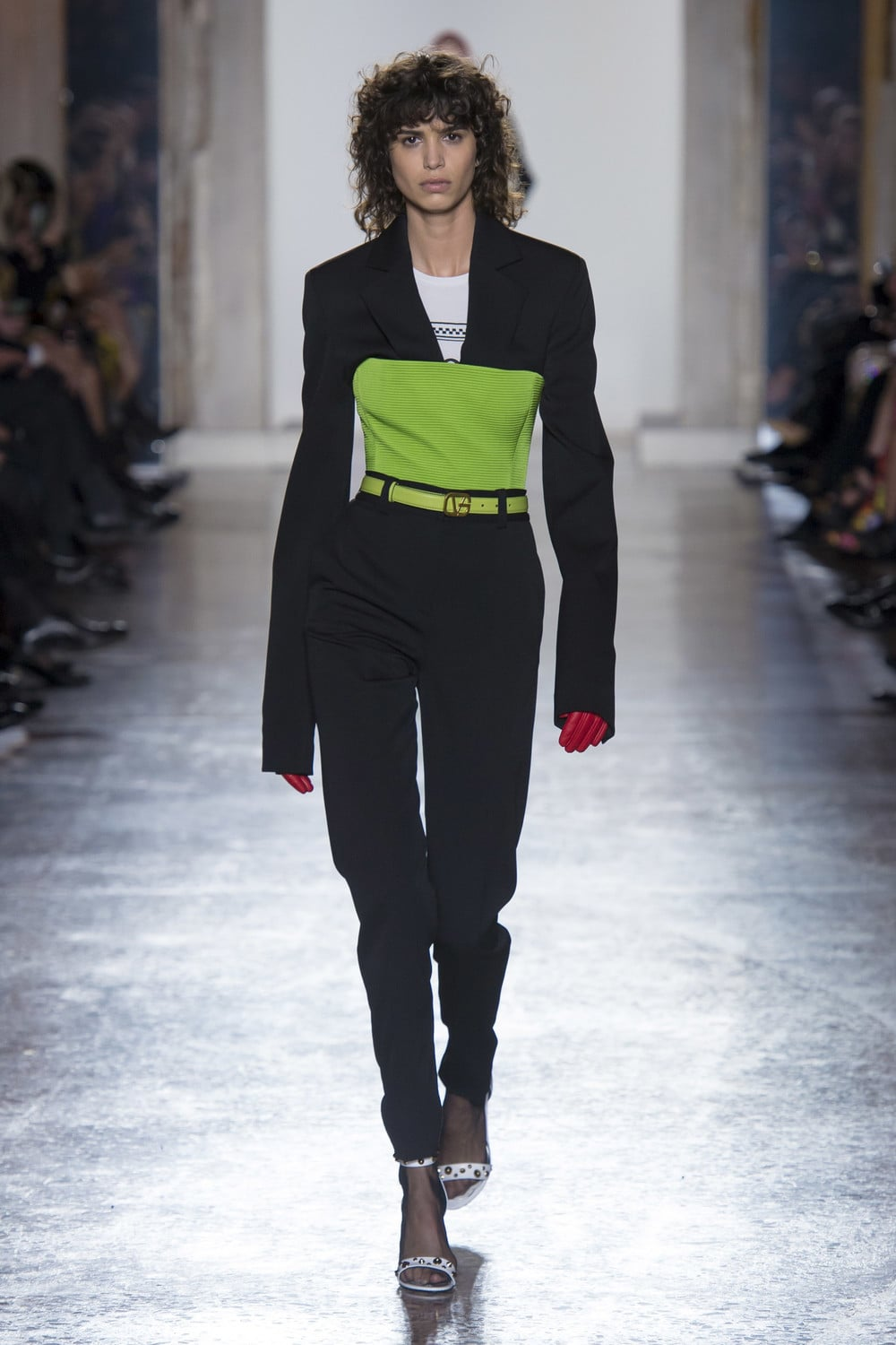 Versace_Fall_2018_Mainstyles_42.jpg