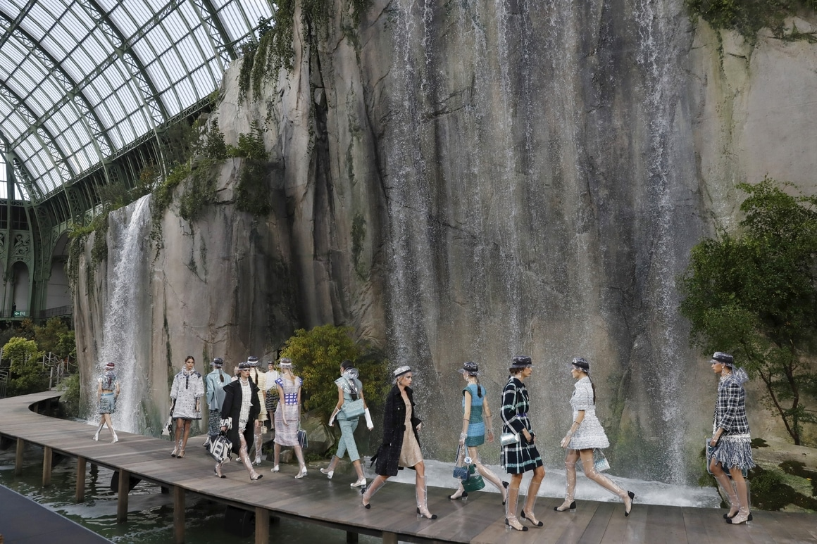 Chanel Spring/summer 2018 ready-to-Wear fashion show