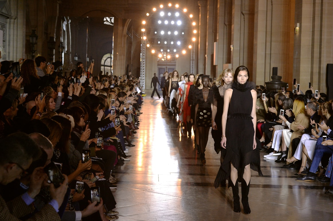 Givenchy Spring/summer 2018 ready-to-Wear fashion show